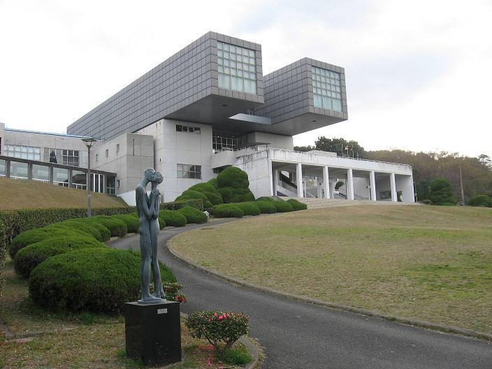 北九州市立美術館 本館 外観