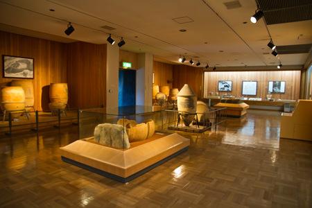飯塚市歴史資料館_立岩遺跡出土品展示室