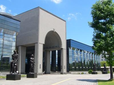 福岡市博物館外観